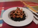 Arroz negro con calamar y langostinos