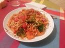 Fideos chinos con verduras.