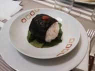 Bola de arroz rellena