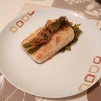 Bacalao con cebolla y pimiento verde.